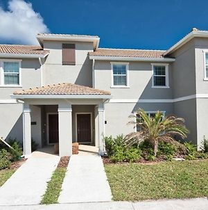 Location! Location! - 4 Bedroom With Private Pool!! - Townhouses For Rent In Kissimmee photos Exterior