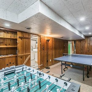 Enchanting Historic Townhouse With Game Room By Cozysuites photos Exterior