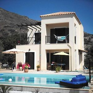 Villa With 3 Bedrooms In Kambia With Wonderful Sea View Private Pool Enclosed Garden 2 Km From The Beach photos Exterior