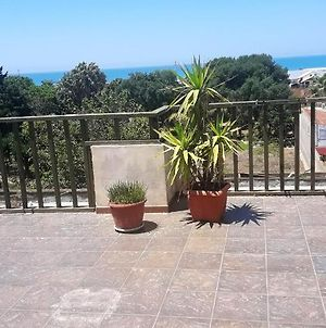 Apartment With 2 Bedrooms In Scoglitti With Wonderful Sea View Furnished Terrace And Wifi photos Exterior