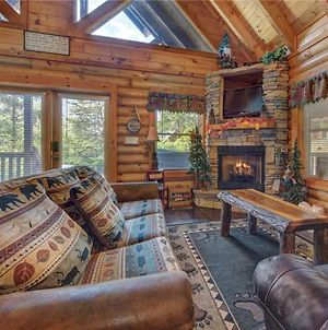 Wilderness Theater And Lodge, 3 Bedrooms, Sleeps 10, Game Room, Hot Tub photos Exterior