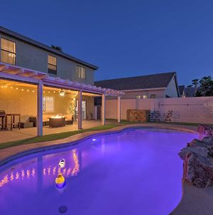 Luxurious Vegas Digs - Hot Tub, Bbq, Cabana & More! photos Exterior
