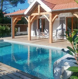 Villa With 3 Bedrooms In Soulacsurmer With Private Pool And Enclosed Garden 600 M From The Beach photos Exterior
