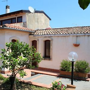 Apartment With 3 Bedrooms In Riposto With Enclosed Garden And Wifi 100 M From The Beach photos Exterior