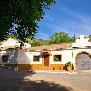 House With 3 Bedrooms In Huelma With Wonderful Mountain View Terrace And Wifi photos Exterior