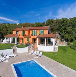 House With 2 Bedrooms In Ripenda Kras With Wonderful Mountain View Shared Pool Enclosed Garden 4 Km From The Beach photos Exterior