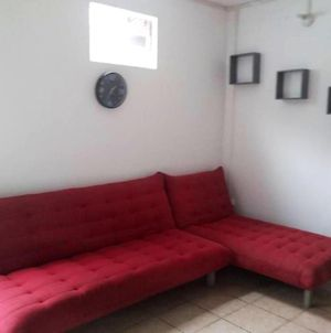 House With 2 Bedrooms In St Joseph With Wonderful Mountain View And Terrace 9 Km From The Beach photos Exterior