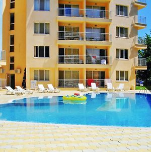 Apartment With One Bedroom In Slantchev Briag, With Wonderful City View, Shared Pool, Balcony - 600 M From The Beach photos Exterior