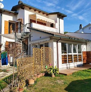 House With 3 Bedrooms In Marina Di Ravenna With Enclosed Garden And Wifi 400 M From The Beach photos Exterior