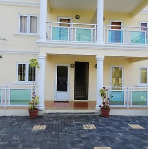 Apartment With 2 Bedrooms In Pereybere With Shared Pool And Enclosed Garden 500 M From The Beach photos Exterior