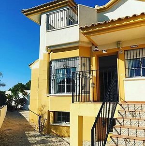 House With 4 Bedrooms In Torrevieja, With Shared Pool, Enclosed Garden And Wifi photos Exterior