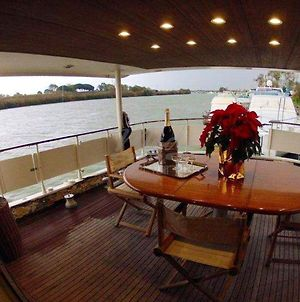 Property With 4 Bedrooms In Fiumicino Rm With Wonderful Lake View And Furnished Terrace photos Exterior