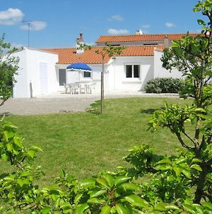 House With 2 Bedrooms In Saint Michel En L'Herm With Enclosed Garden 5 Km From The Beach photos Exterior