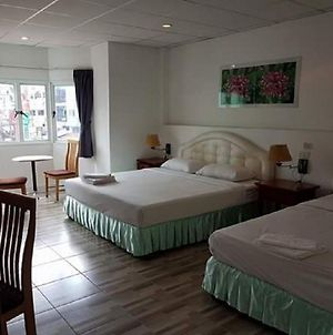 Welcome Inn Hotel @ Karon Beach. 3 Bed Room From Only 1200 Baht photos Exterior