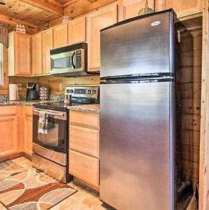 Idyllic Cabin With Deck And Grill And View Of Smoky Mtns! photos Exterior