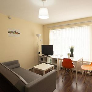 Lovely Apartment In Manchester Near Iwm North Park photos Exterior