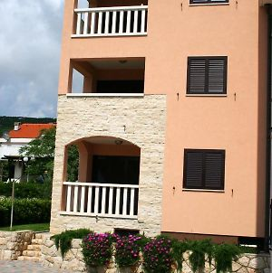Apartment With 2 Bedrooms In Stara Novalja With Enclosed Garden 200 M From The Beach photos Exterior