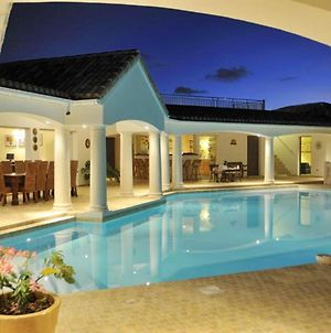 Villa With 4 Bedrooms In Saint Martin With Wonderful Sea View Private Pool Furnished Garden 200 M From The Beach photos Exterior