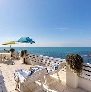 Apartment With 2 Bedrooms In Punta Braccetto With Wonderful Sea View Enclosed Garden And Wifi 40 M From The Beach photos Exterior
