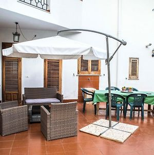 Apartment With 2 Bedrooms In Palermo With Enclosed Garden And Wifi 800 M From The Beach photos Exterior