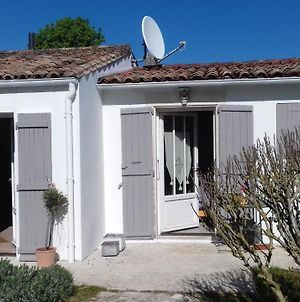 House With 4 Bedrooms In Le Bois Plage En Re With Enclosed Garden And Wifi 3 Km From The Beach photos Exterior