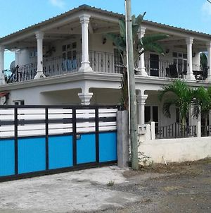 House With 2 Bedrooms In Trou Aux Biches Beach With Enclosed Garden And Wifi 300 M From The Beach photos Exterior