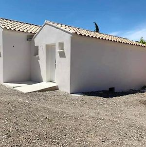 House With 2 Bedrooms In Saint-Mitre-Les-Remparts, With Enclosed Garden - 10 M From The Beach photos Exterior