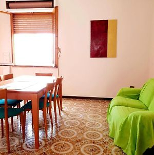 Apartment With 3 Bedrooms In Solarussa 15 Km From The Beach photos Exterior