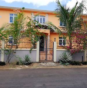 Apartment With 2 Bedrooms In Trou-Aux-Biches, With Enclosed Garden And Wifi - 300 M From The Beach photos Exterior