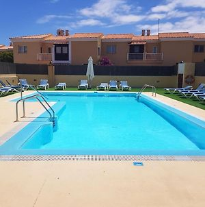 House With 2 Bedrooms In Corralejo With Shared Pool And Wifi photos Exterior