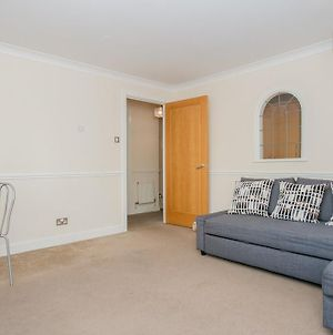 1 Bedroom Flat With Balcony Accommodates 4 photos Exterior