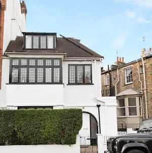 3 Bedroom House In Hampstead Village Sleeps 6 photos Exterior