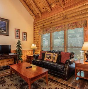 Great Wolf Cabin In Pigeon Forge! photos Exterior