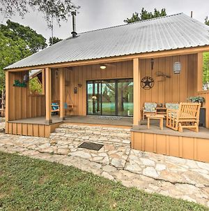 Stylish Cabin With Lake Travis & Pool Access! photos Exterior