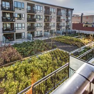 Beautiful 5 Star Home Minutes From City Centre, Vancouver Island Apartment 1003 photos Exterior