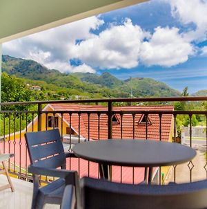 Apartment With One Bedroom In Au Cap With Wonderful Mountain View Enclosed Garden And Wifi 100 M From The Beach photos Exterior