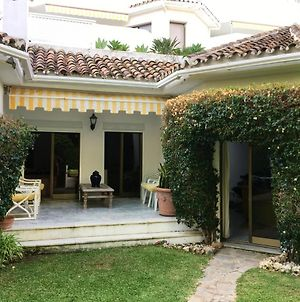House With 3 Bedrooms In Marbella With Shared Pool Enclosed Garden And Wifi 100 M From The Beach photos Exterior