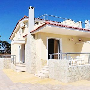 Apartment With 3 Bedrooms In Kiato With Wonderful Sea View And Enclosed Garden 100 M From The Beach photos Exterior