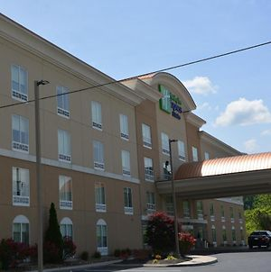 Holiday Inn Express & Suites Caryville photos Exterior