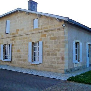 House With 4 Bedrooms In Castillonlabataille With Enclosed Garden And Wifi 85 Km From The Beach photos Exterior