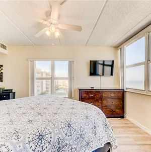 Southpoint 501, 2 Bedrooms, Beach Front, Heated Pool, Sleeps 5 photos Exterior