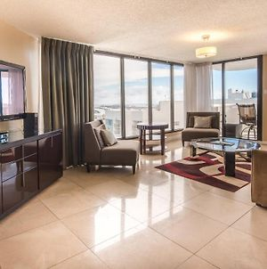 Downtown Miami 2332 Monthly Rental Luxury 2Br Waterfront Condo Free Valet Parking photos Exterior