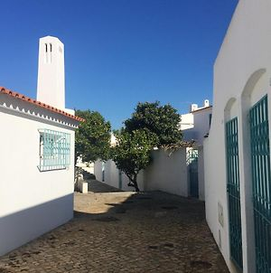 House With 4 Bedrooms In Alvor With Wonderful Sea View Furnished Garden And Wifi 200 M From The Beach photos Exterior