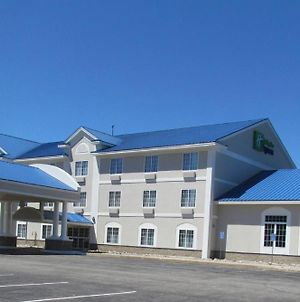Holiday Inn Express Hotel & Suites Cadillac photos Exterior