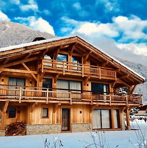 Chalet With 4 Bedrooms In Samoens With Wonderful Mountain View Furnished Garden And Wifi 700 M From The Slopes photos Exterior