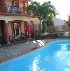 Villa With 3 Bedrooms In Grand Baie With Private Pool Enclosed Garden And Wifi 500 M From The Beach photos Exterior