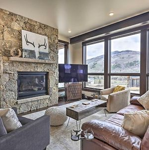 Elegant Modern Mountain Home With Trail Access! photos Exterior