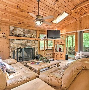 Isolated Cabin With Fire Pit And Forest View! photos Exterior
