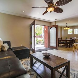 Luxury Home W/ Ac! Ideal For Multiple Families, 2 Living Rooms & 4 Car Garage! photos Exterior