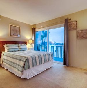 Relaxing Waterfront Condo! Includes Views From Every Room! photos Exterior